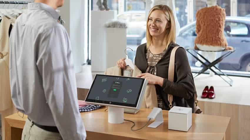POS systeem met klant in winkel
