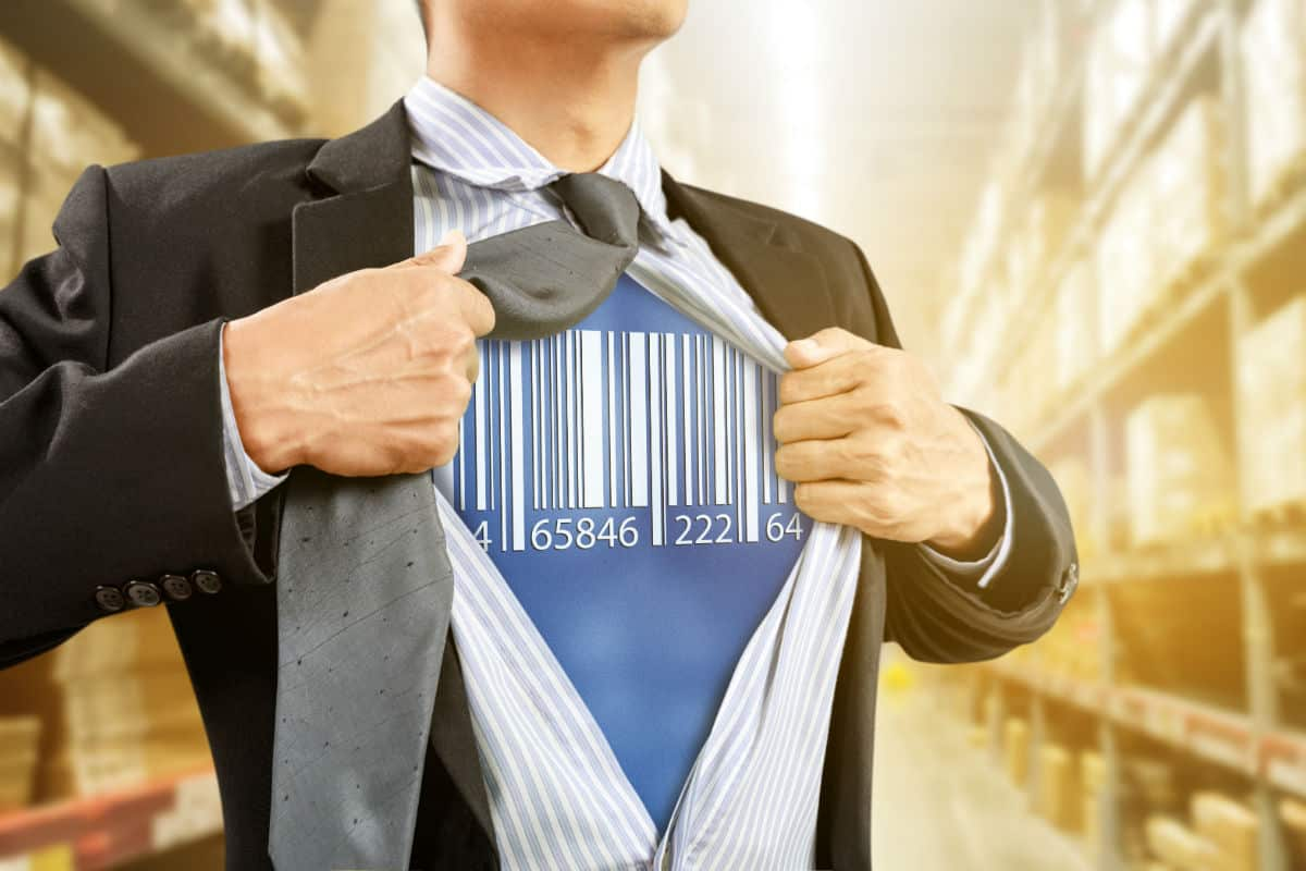 barcode superman in magazijn met voorraad