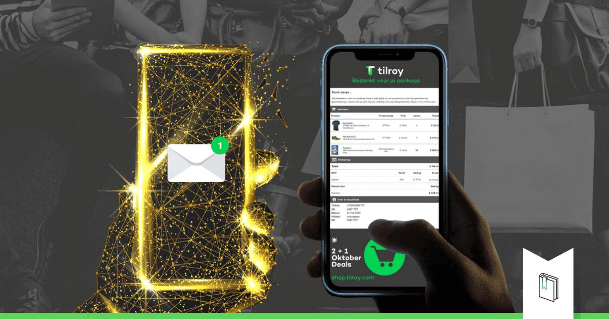 gouden telefoon en iphone met e-ticket op het scherm